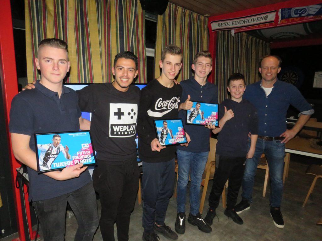 Eerste FIFA toernooi vv Friese Boys